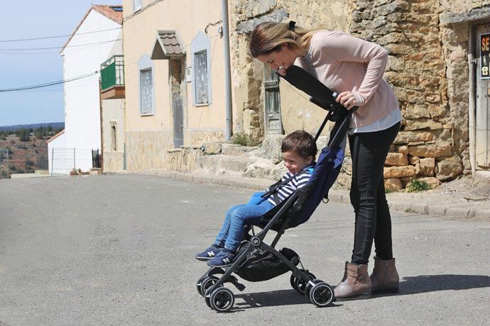 Probamos la silla de paseo m s ligera y con el plegado m s compacto palabra de madre - Silla de paseo mas ligera ...